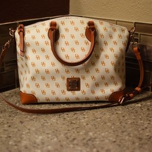 NWT Dooney &  Bourke Gretta White/tan  satchel